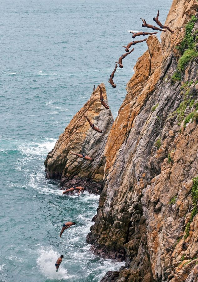 Incredible pictures show death defying cliff divers - The cliff dive ...