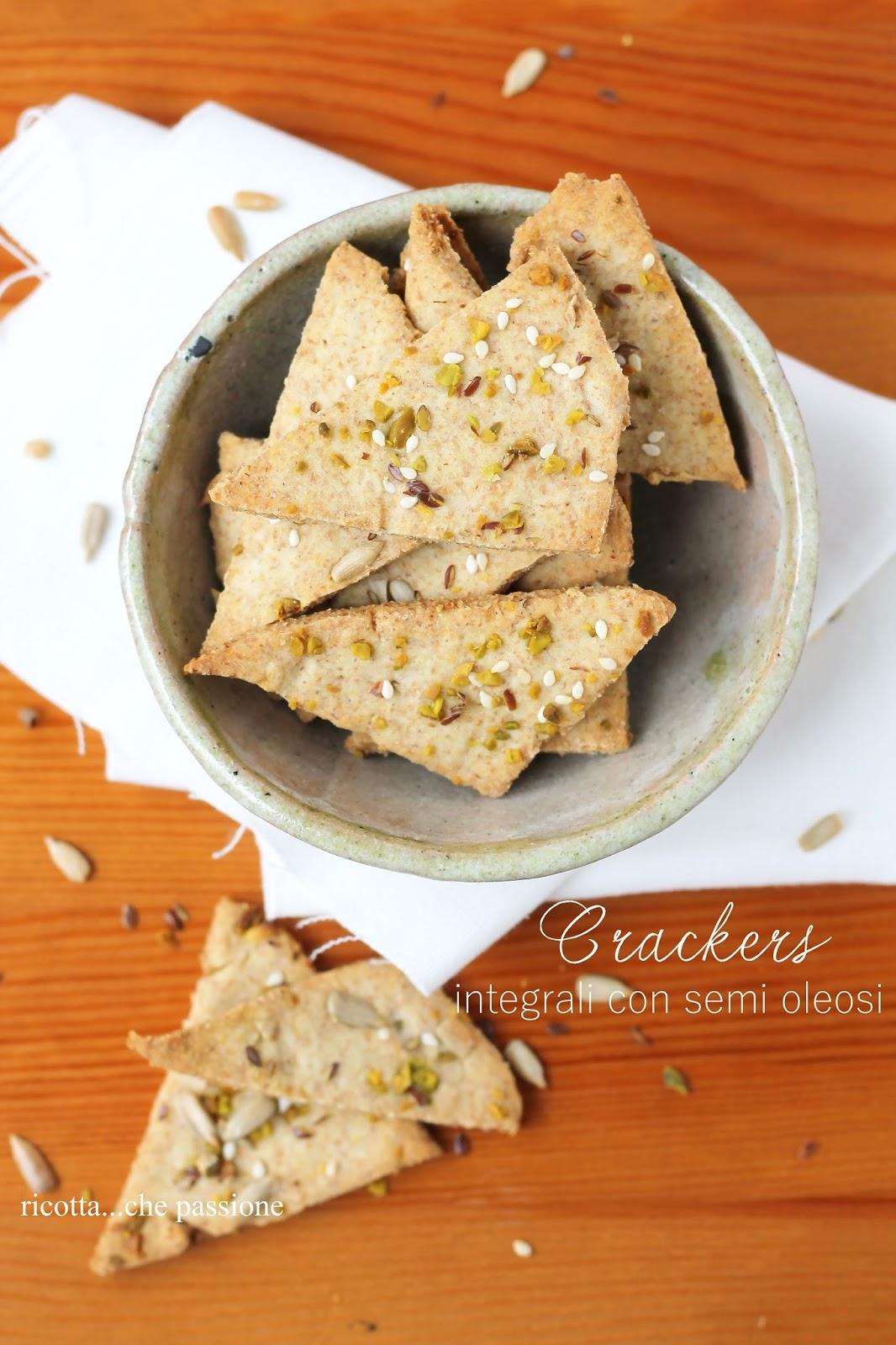 crackers integrali con semi oleosi