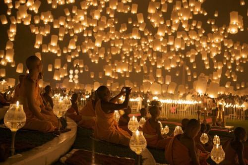 140667188330751186 HBYA90Fy c أجمل مهرجانات العالم ''مهرجان المصابيح في تايلند '' سيذكرك بفيلم ديزني الشهير Tangled