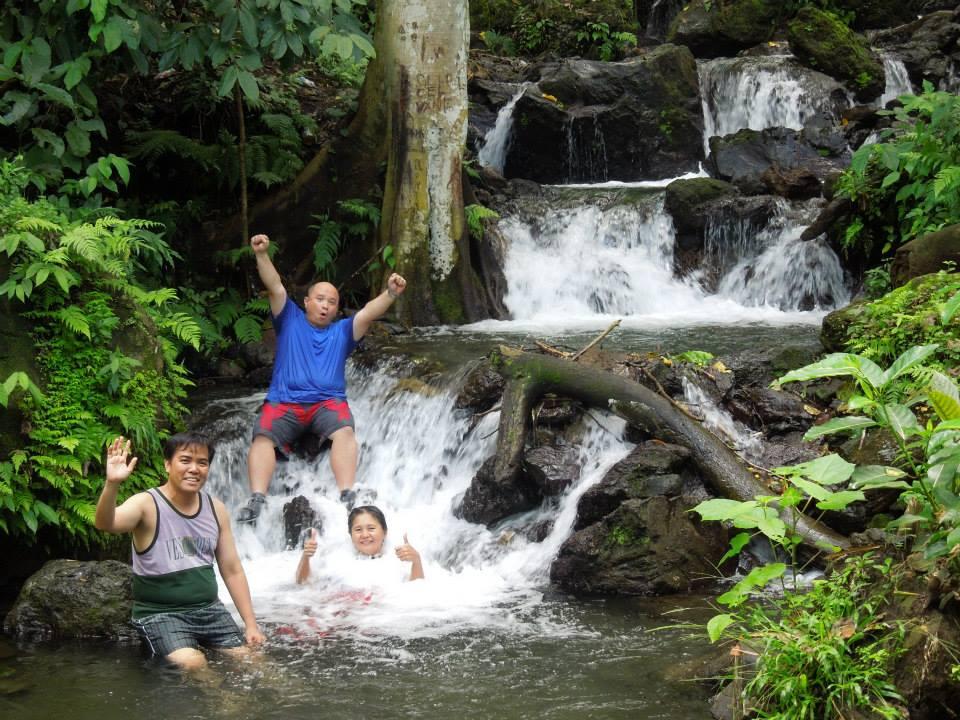 Larga bista ambon ambon falls malagaslas falls laurel for Rainwater falls massage