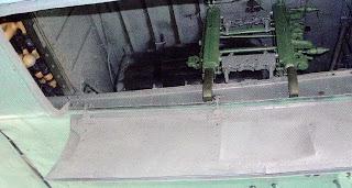 Фюзеляжный бомболюк Пе-2