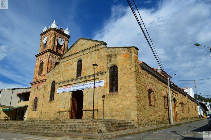 Resultado de imagen para iglesia de la chiquinquira el socorro santander
