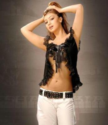 Ayesha Takiahot And Sexy Girl