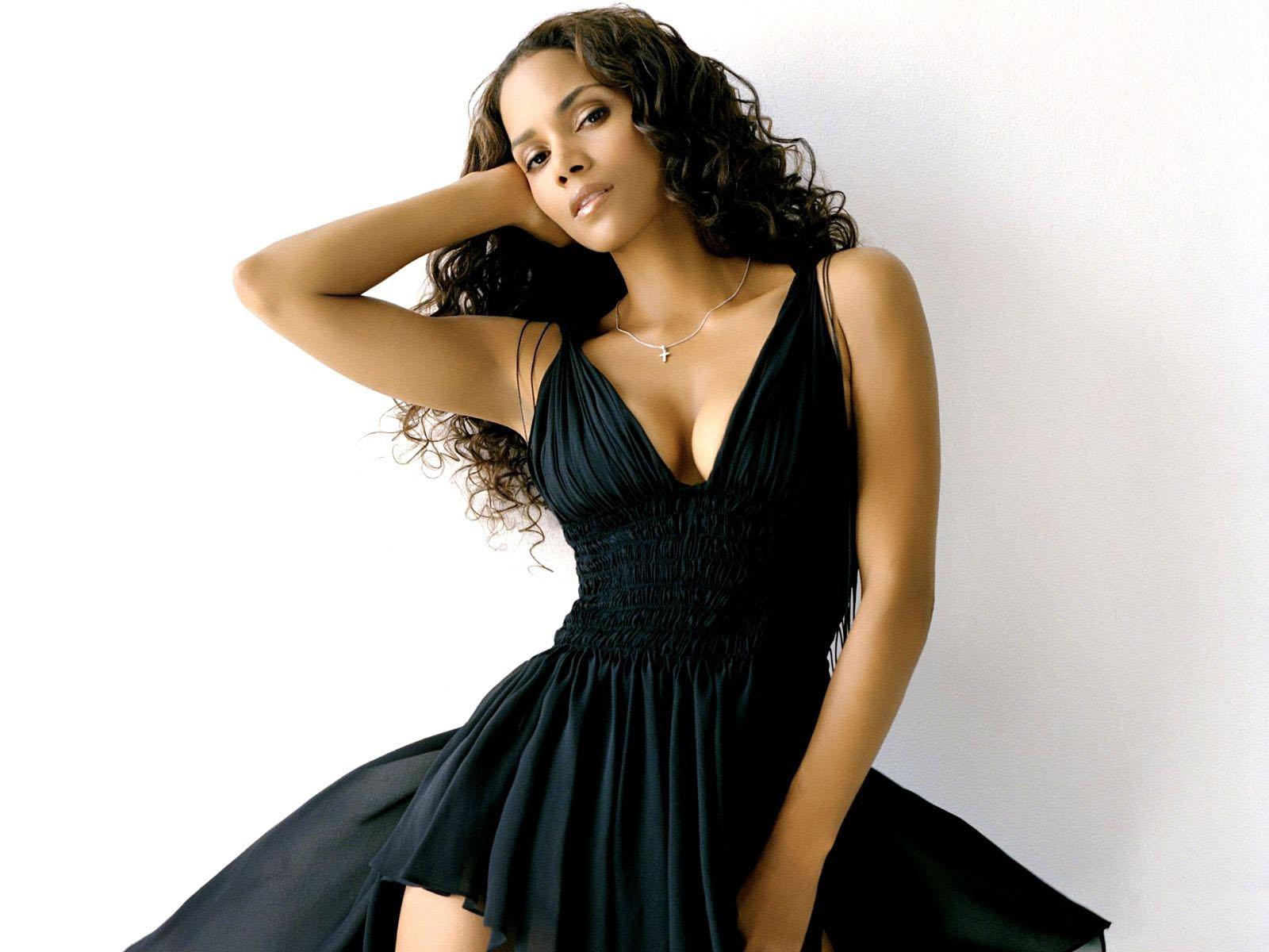 http://2.bp.blogspot.com/-nYUOos0hyKw/Tmdo3R1DdgI/AAAAAAAAFhU/Gu6VakXHCKk/s1600/halle-berry-in-black-dress_1600x1200_58026.jpg