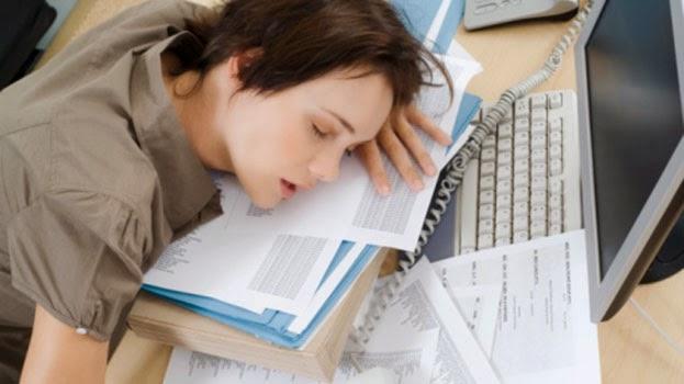 العمل ساعات طويلة تؤدي للاصابة بامراض القلب والاكتئاب