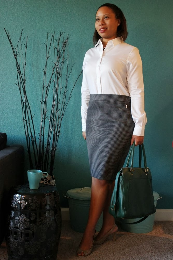Curvy, Petite Outfit Ideas | Professional and Casual-Chic Fashion and Style Inspiration | 5 Quick Tips for a Professional Petite Wardrobe!
