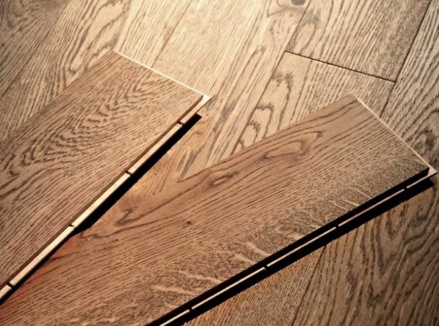 vrstvená dřevěná podlaha