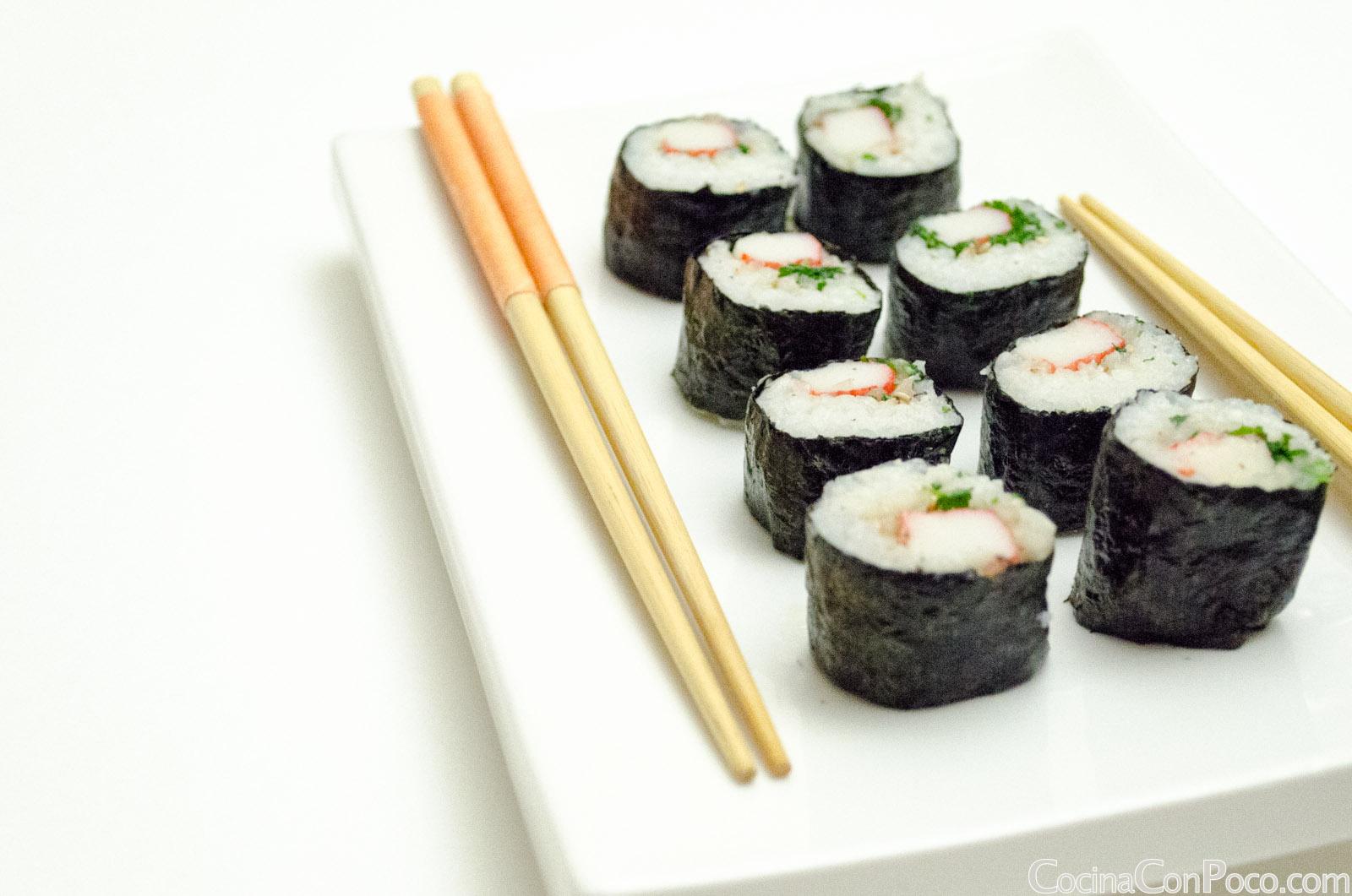Sushi maki de cangrejo paso a paso receta facil - Cocinar sushi facil ...