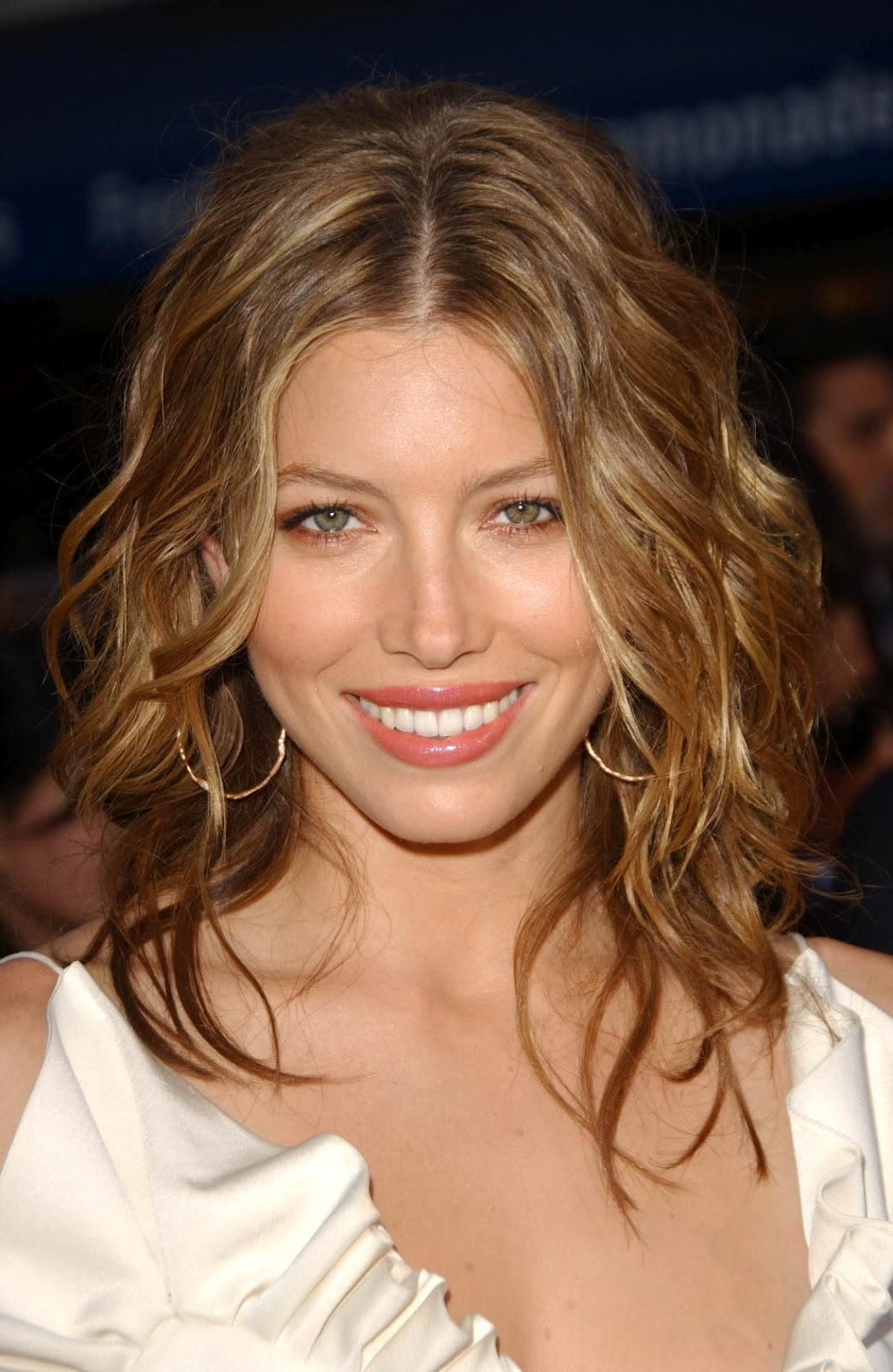 http://2.bp.blogspot.com/-nYtctQp2HsQ/T0P1_8wcrqI/AAAAAAAACbE/lsLdeIvKjN8/s1600/jessica-biel-beal-Actress-hairstyle-picture-photos-images-jessica-film-modeling-acting%2B%25252829%252529.jpg