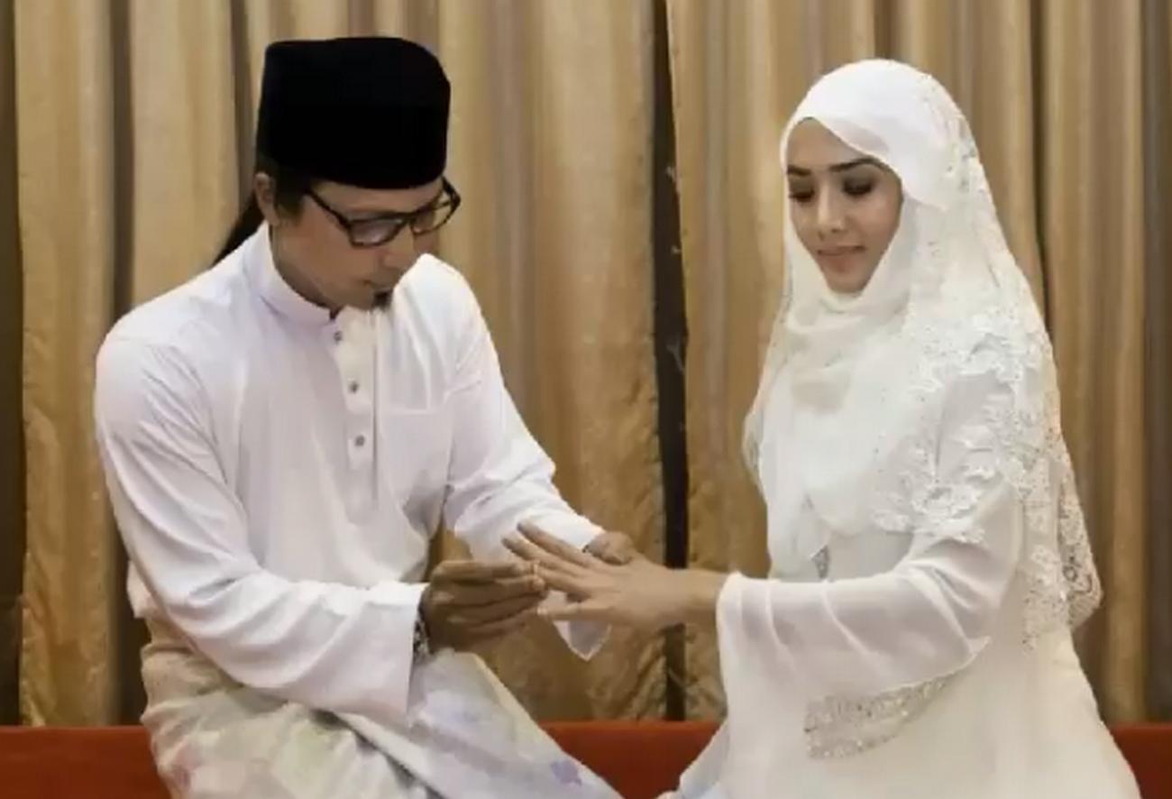 7 Gambar Sekitar Pernikahan Rahsia Siti Elizad January Lalu