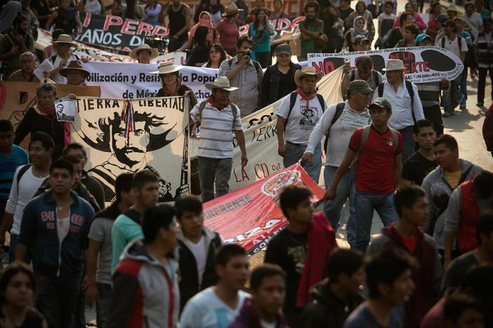 A una década de la represión en Atenco, repudian con marcha invasión de tierras