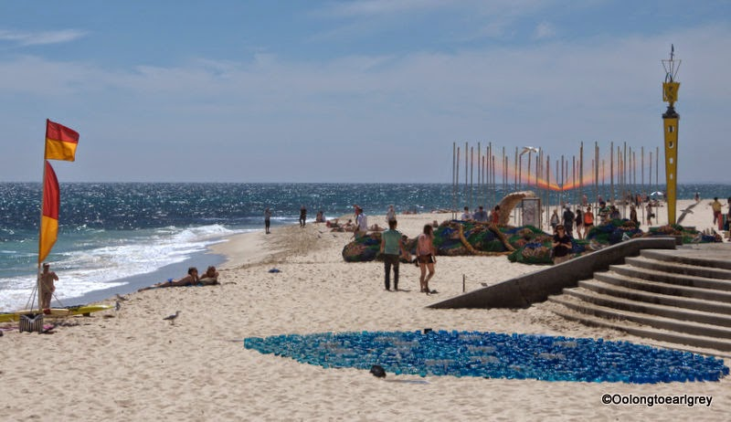Sculpture by the sea Cottesloe 2014, whaleshark A-001 Stumpy