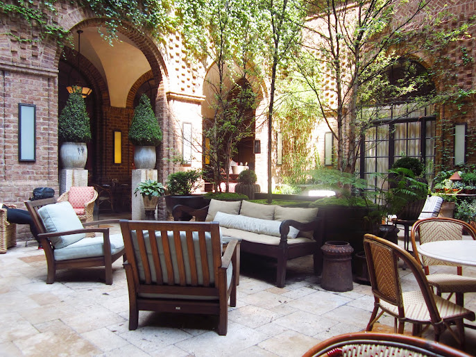 #3 Outdoor Living Room Ideas