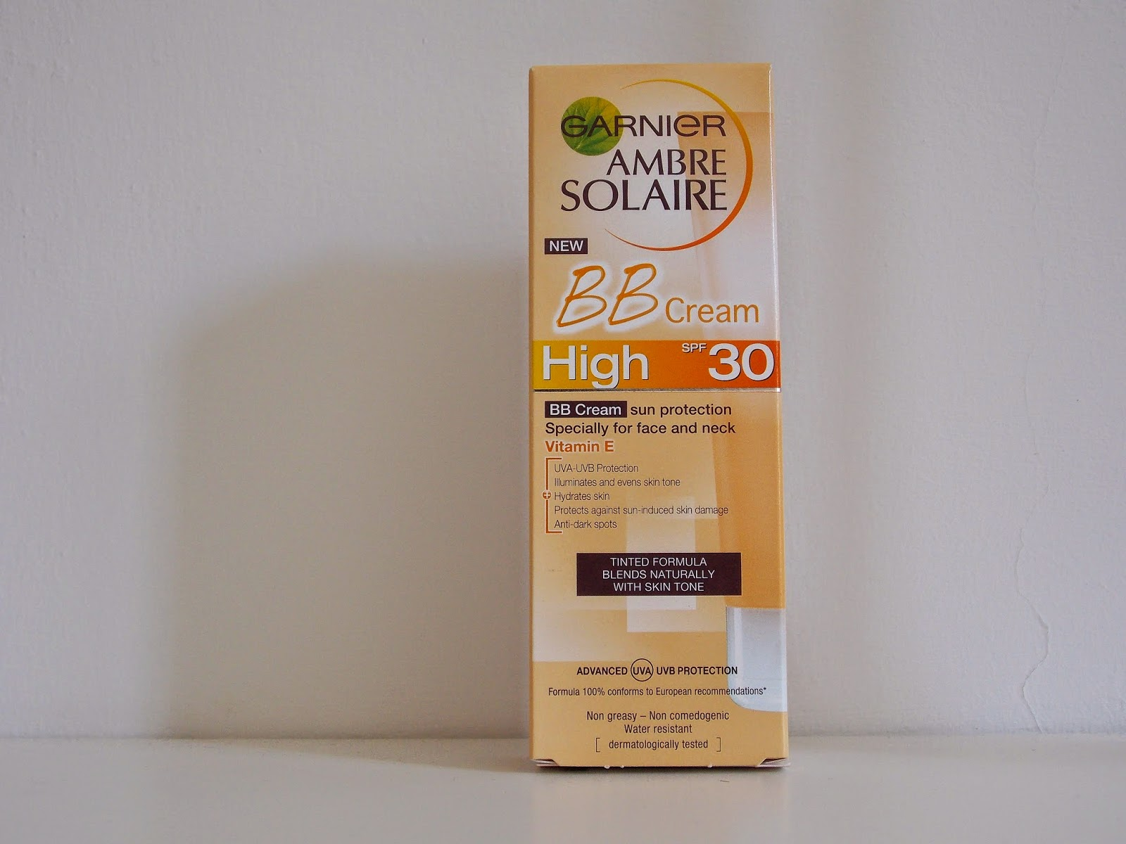 Amber solaire tinted facial sunscreen images