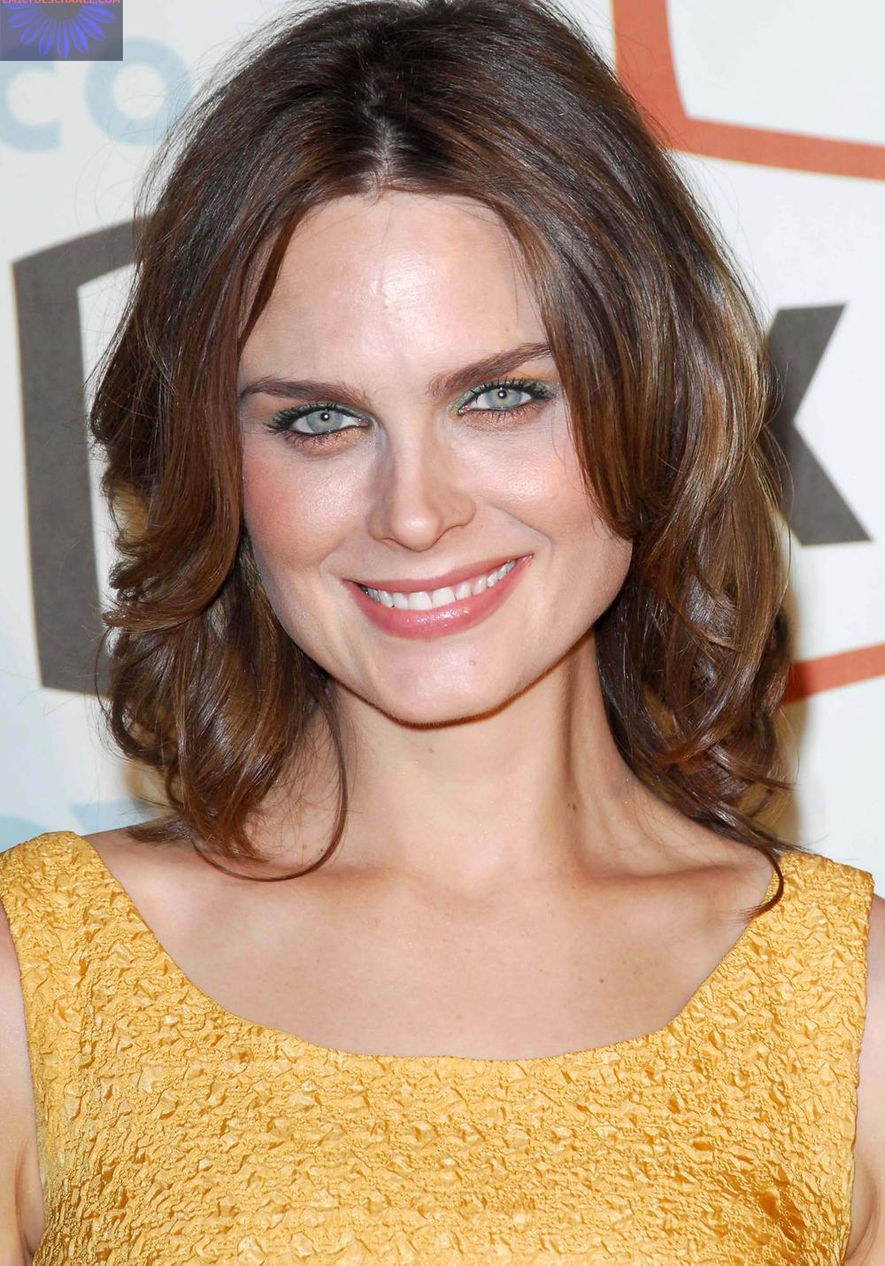 Emily Deschanel Hairstyles 1