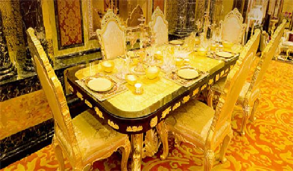 http://2.bp.blogspot.com/-nZvBymwvnEM/Tuf4LYruXlI/AAAAAAAABxk/YZttL3yfxlI/s640/Dining-room-gold-again.jpg