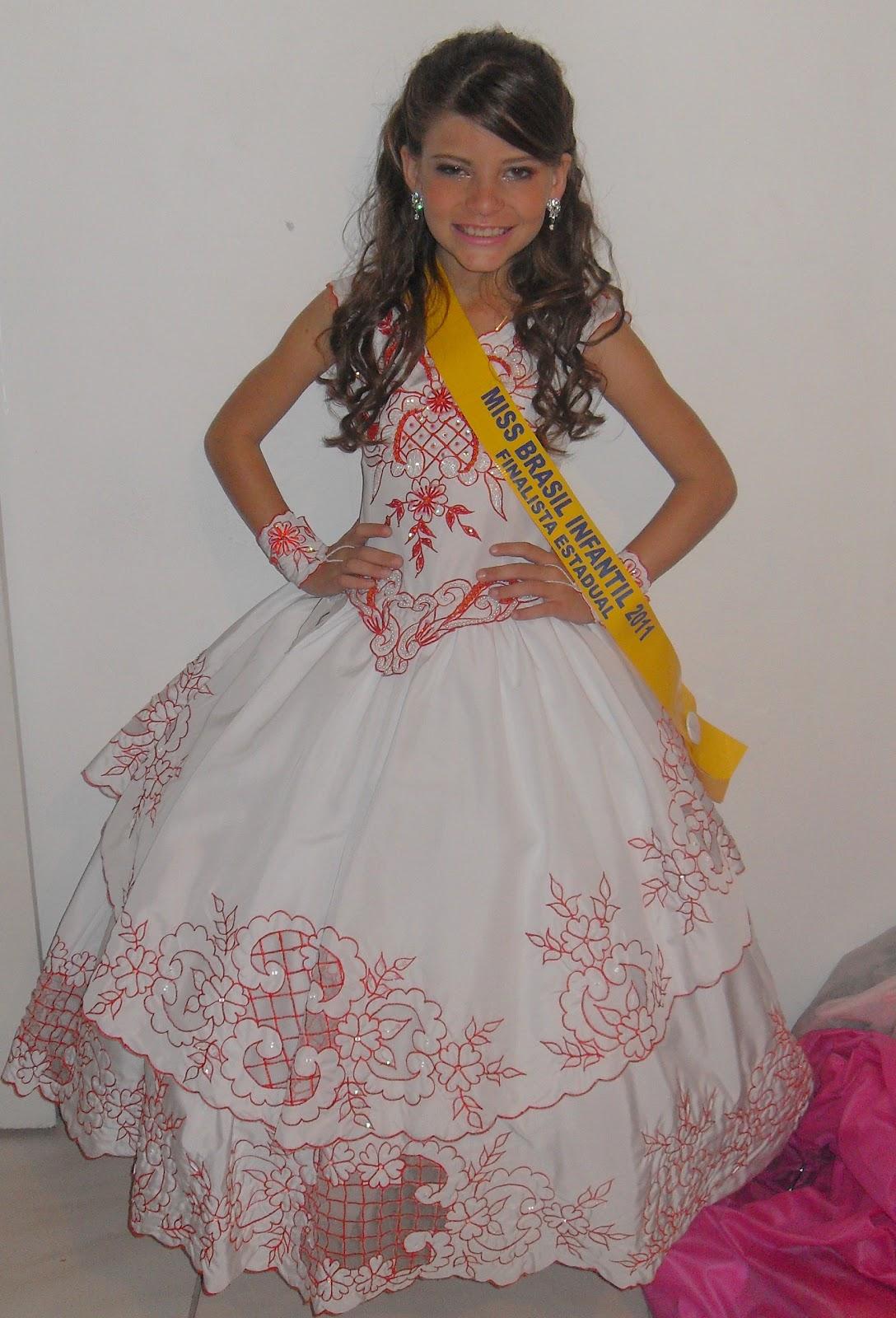 http://2.bp.blogspot.com/-nZxcdb-52xk/Tj4FjXqsOsI/AAAAAAAAAL4/7ikdAzvqMoc/s1600/lara+vestido+cantinho+das+noivas.JPG