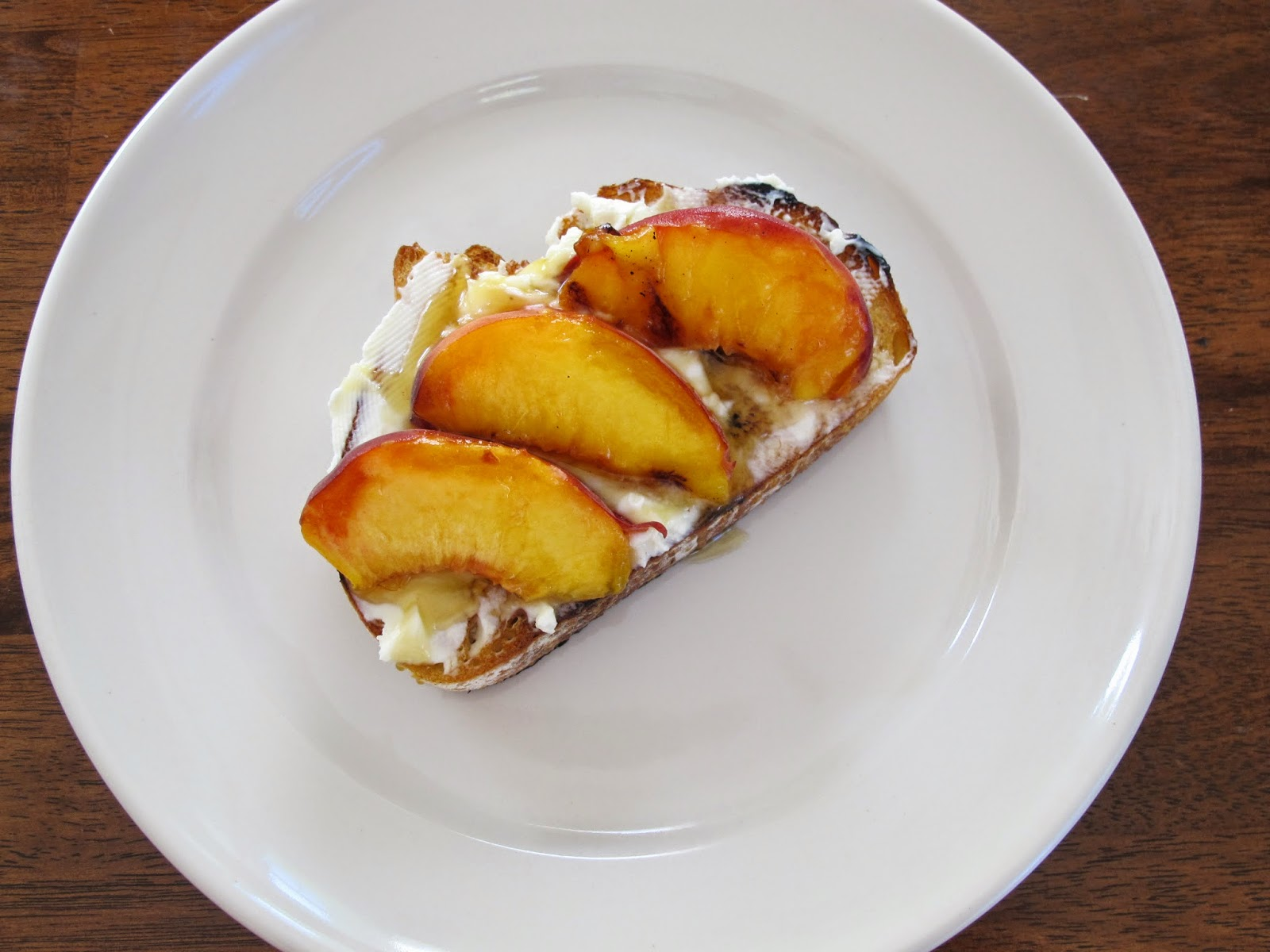 Grilled Peach and Honey Mascarpone Cheese Toasts