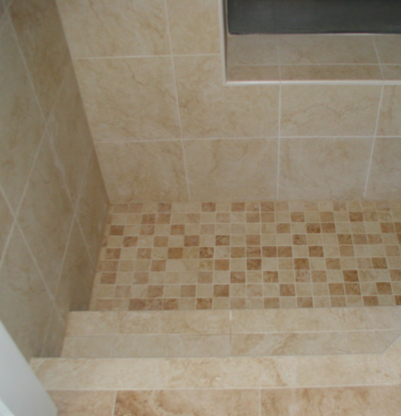 Roman Tub. Roman Style Tub Tile Bathtub Custom Tile Bathtub and ...