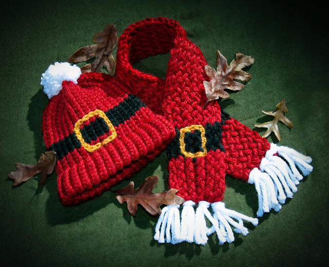 Loom Knitting by This Moment is Good!: LOOM KNIT SANTA SCARF & HAT