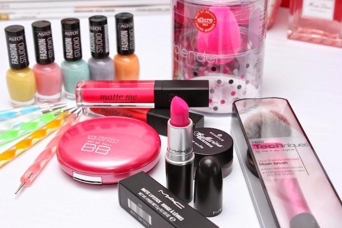 realtechniques_brochas_blushbrush_rosa_bb_skin79_mac_candyyumyum_ matteme_sleek_labial_lipstick_astor_esmaltes_pastel_pasteles_angicupcakes01
