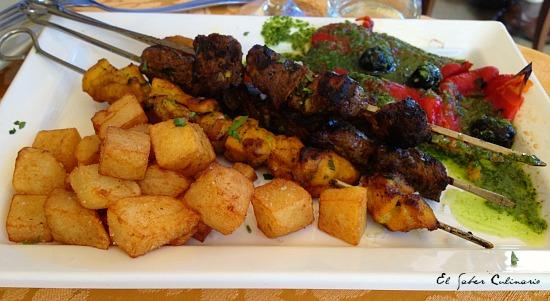 cocina-bereber-pinchos-pollo-carne