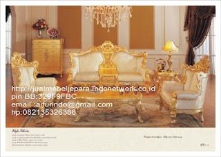 Jual mebel jepara,sofa klasik jepara Mebel furniture klasik jepara jual set sofa tamu ukir sofa tamu jati sofa tamu antik sofa jepara sofa tamu duco jepara furniture jati klasik jepara SFTM-33032 sofa klasik Barcelona classic