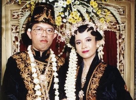 Kenangan Perkawinan, 1998