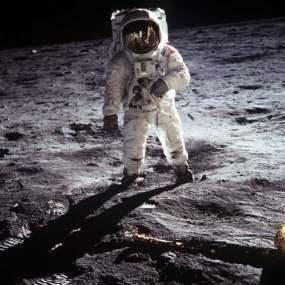 Neil Armstrong, Manusia Pertama yang Menginjak Bulan Meninggal Dunia