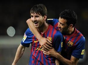Lionel Messi pintó de azul y grana el derbi catalán