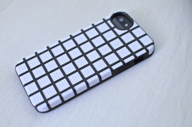Black and White iPhone 5 Cover