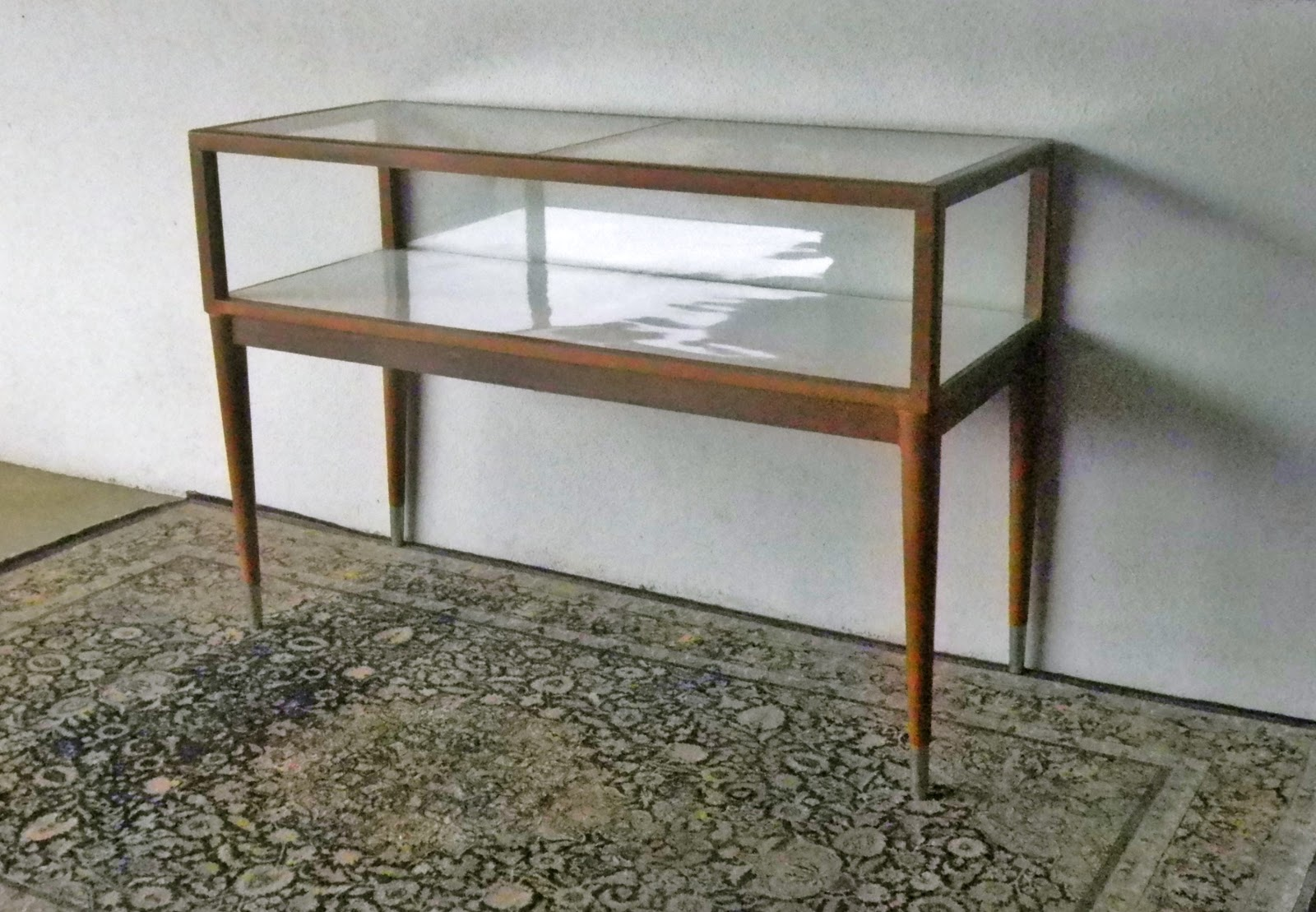 VINTAGE SHOWCASES AND DISPLAY CABINETS | Second Charm