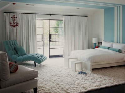 White Bedroom Ideas on White Bedroom Turquoise Striped Walls Chaise Lounge White Blue Jpg