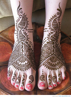 best mehndi designs foot