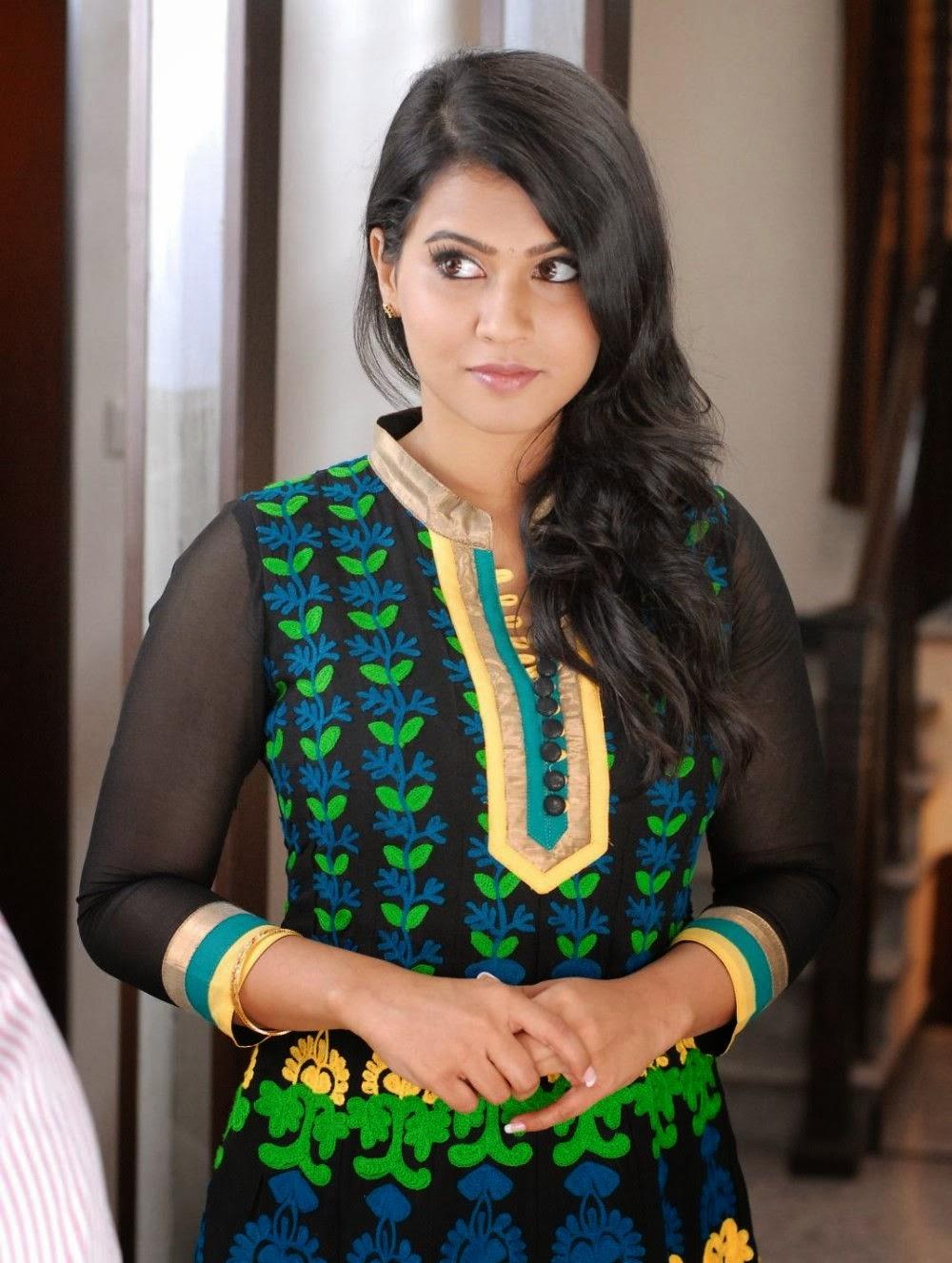 Sharmila mandre latest photos in salwar kameez