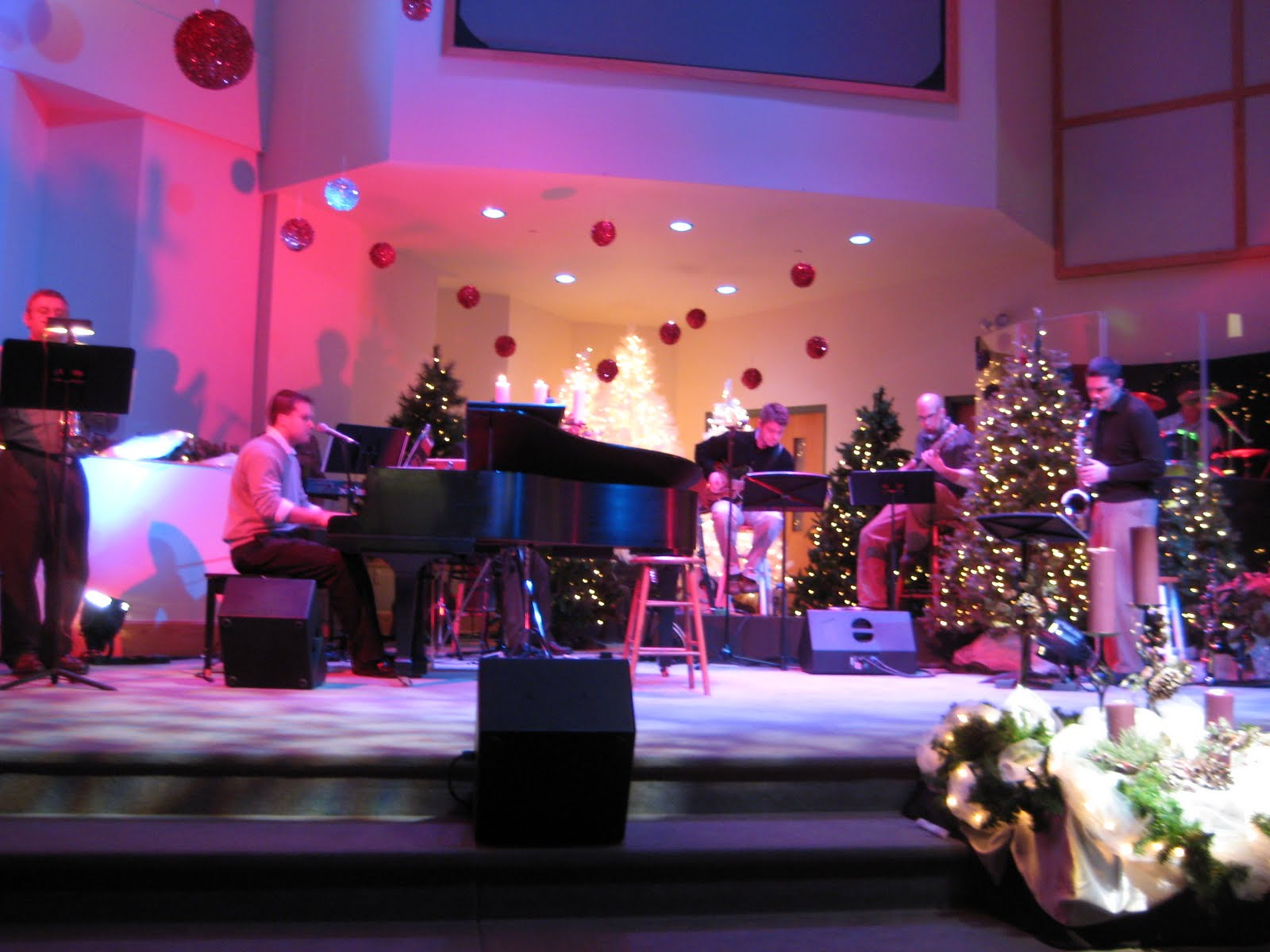 church stage decorating ideas christmas 2007