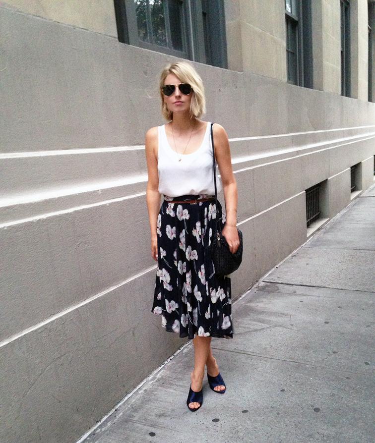 Ladylike look, floral midi skirt, Ann Taylor, InstaANN, Navy satin mules, Nina Ricci, street style, Bottega Veneta intrecciato cross-body bag
