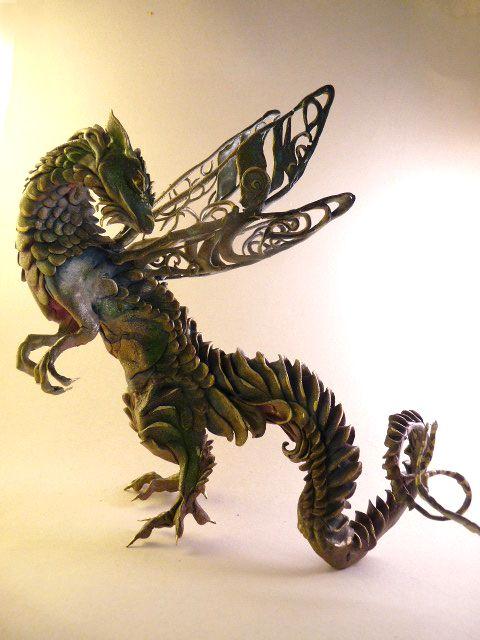 Ellen Jewett CreaturesFromEl deviantart esculturas surreais mixed animais Dragãozinho