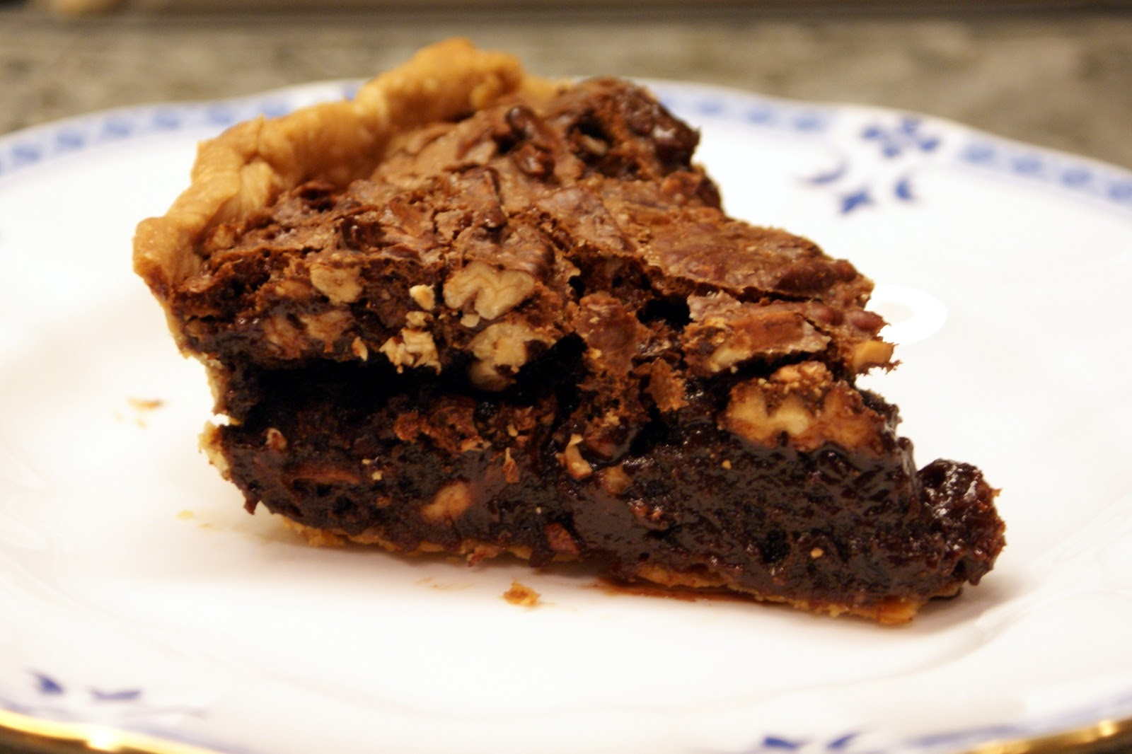 Melissa Valentine's Kitchen: Chocolate Pecan Pie