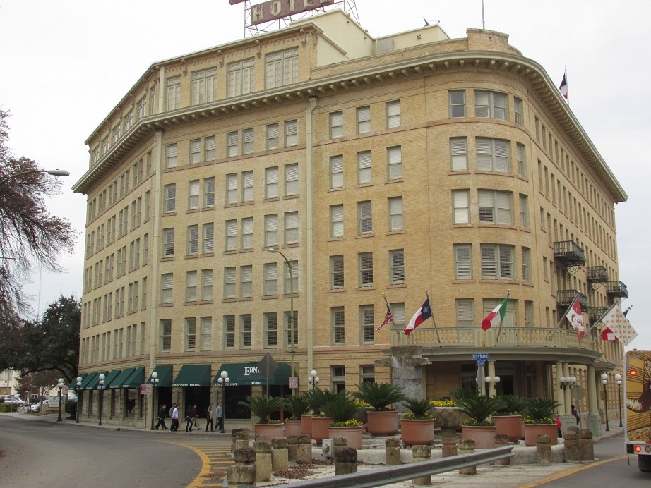 San antonio historic hotels the crockett western trips for Oldest hotels in america