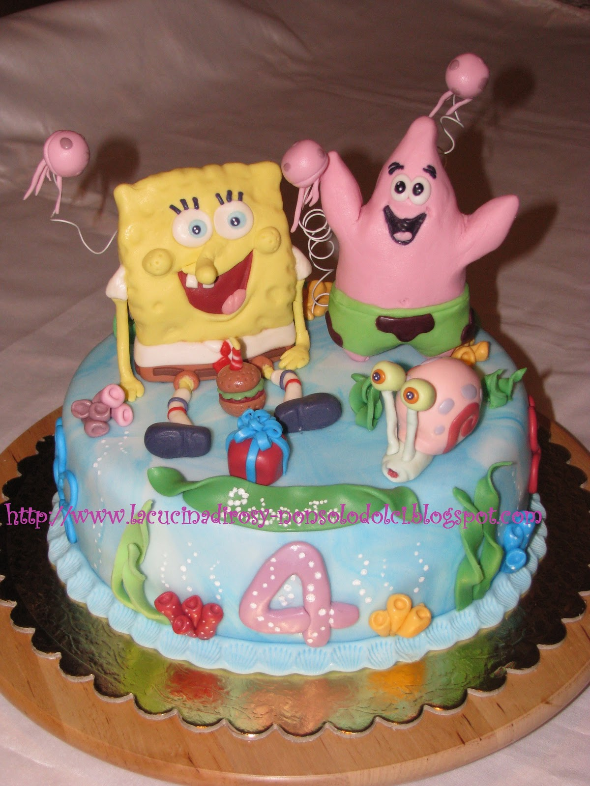 Le torte decorate di rosy spongebob cake for Decorazioni torte ladybug