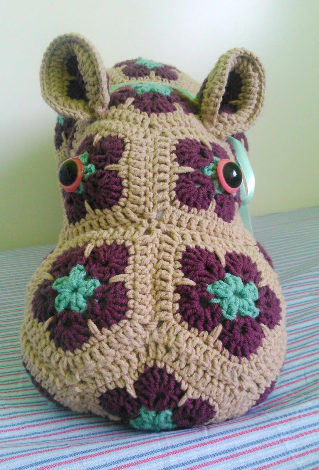 Inauguramos blog. Hipopótamo de flor africana.   La madre de la cordera