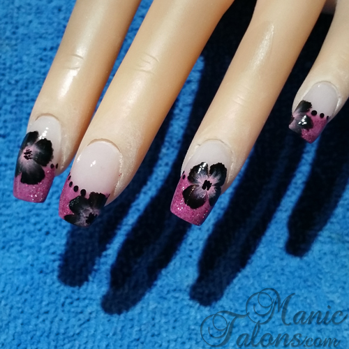 Week 10 Sculpted Glitter Tips with One Stroke Nail Art