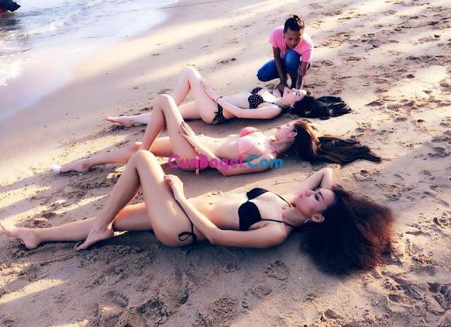 3 Gadis Comel Separuh Bogel kat Tepi Pantai