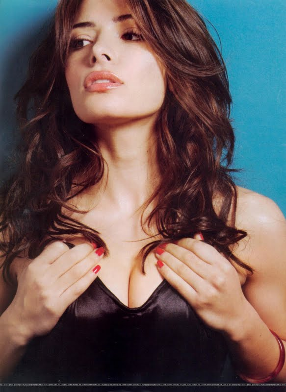 Sarah Shahi - Photos Gallery