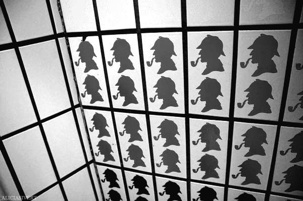 aliciasivert, Alicia Sivertsson, London, svartvitt, black and white, baker street station, sherlock holmes