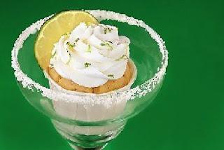 http://2.bp.blogspot.com/-nah5kBARwKg/T0UHoFr_pOI/AAAAAAAAS0M/GnP3Zzq9jkM/s1600/margarita-cupcakes3MA28948083-0023.jpg