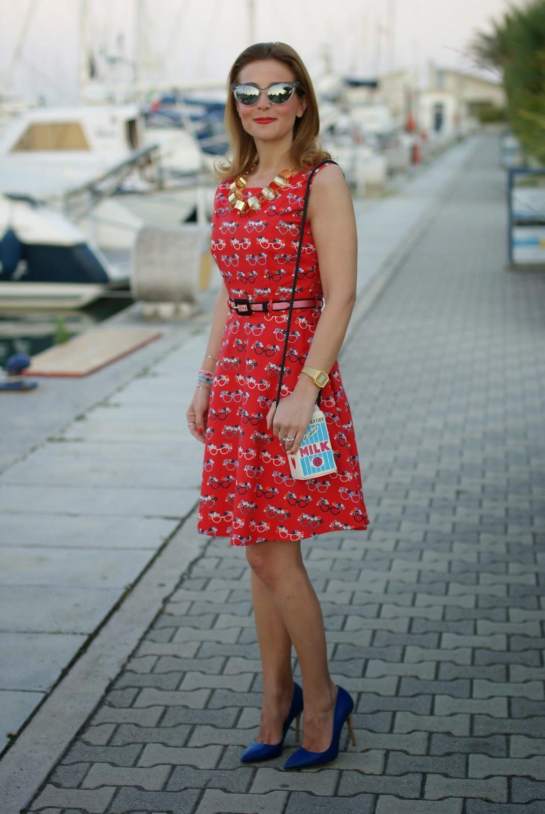 cute vintage dress, milk bottle shaped bag, sergio levantesi heels, Fashion and Cookies, fashion blogger
