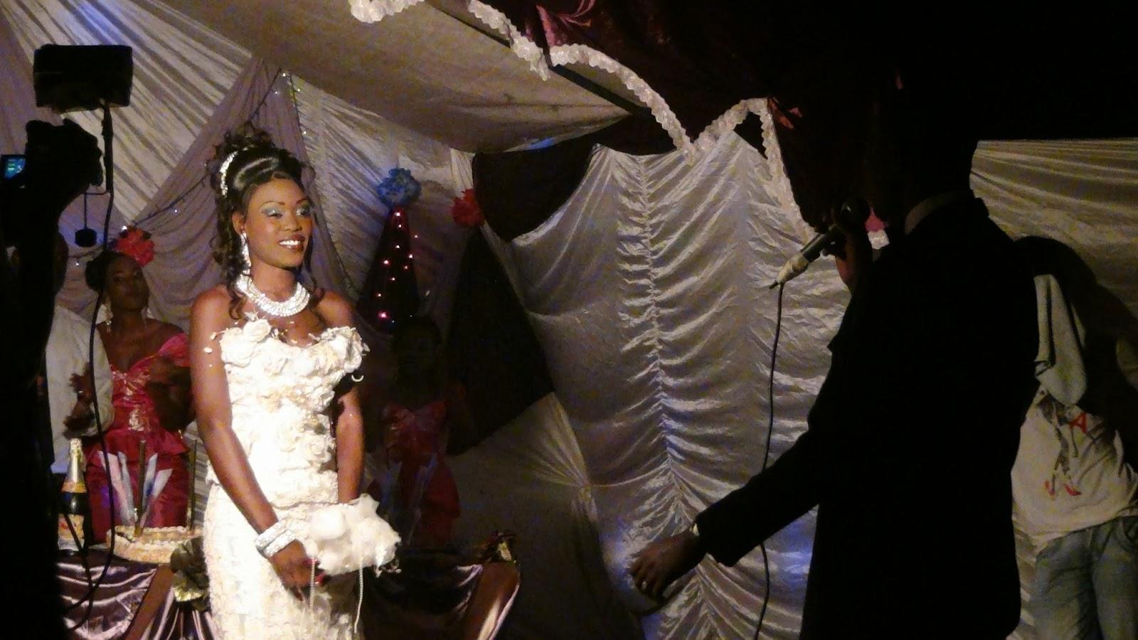 Vestido de novia traduccion frances