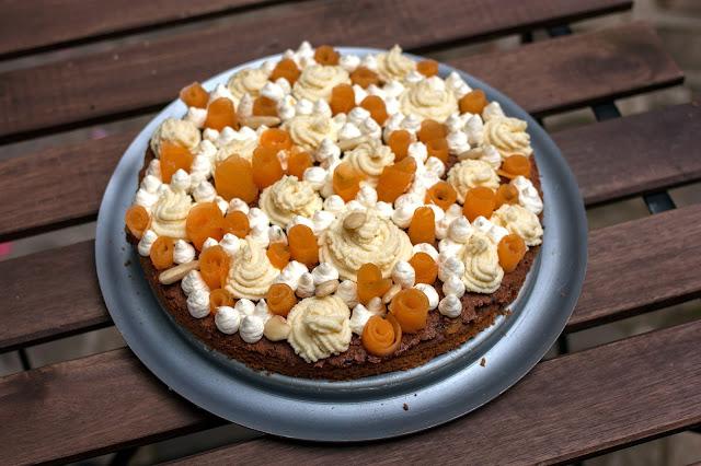 http://emancipations-culinaires.blogspot.com/2014/09/un-fantastik-melon-amandes-chocolat.html